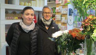 Die Blumenmädchen Silke Hoffmann und Bettina Trache