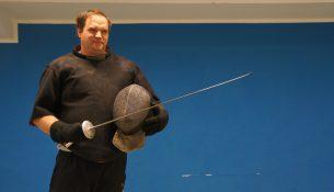 Robert Peche ist Trainer in der Fechtschule Artos