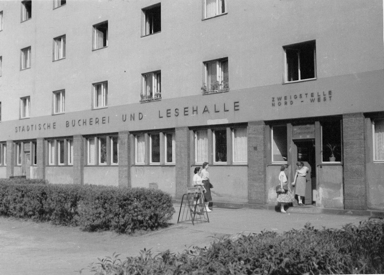 Städtische Bücherei und Lesehalle Nord-West 1957