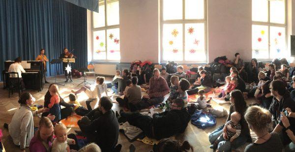 Babykonzerte im Zentralwerk: Klara Fabry lädt zur Premiere im Savoy Club ein