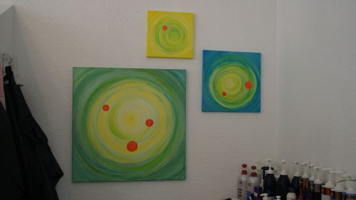 Selbst gemalte Arylmalereien im Salon Stöckmann