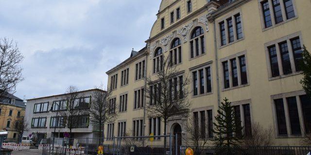 Makarenko_Schule mit Neubau