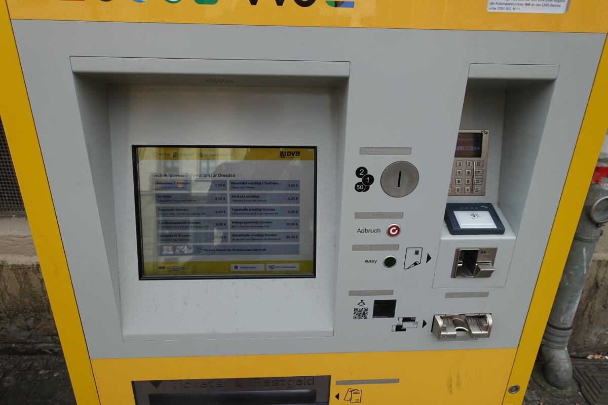Fahrscheinautomat Trachenberger Platz display