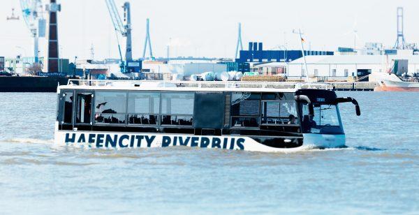 Amphibienbus hafencity riverbus Hamburg