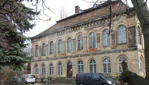 Schloss Übigau Neue Fenster