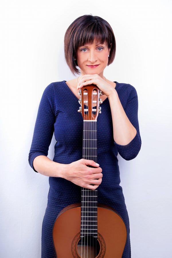Luft und Lieder - Die Kleinkünstlerin Anja Linhart